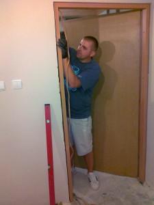 51 montaż drzwi wewętrznych